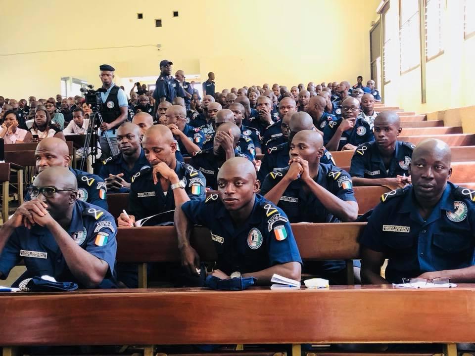 ivoire intellect- élèves policiers au cadre de dialogue citoyen