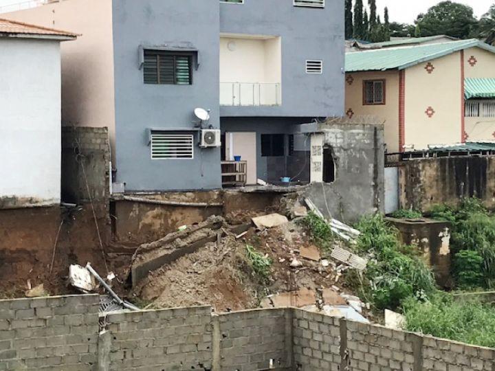 IvoireIntellect-pluies-Maison bâtie anarchiquement-Abidjan