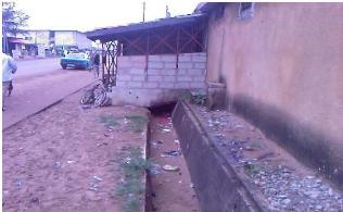 IvoireIntellect-pluies-Construction sur caniveaux